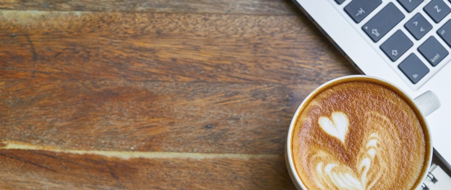 コーヒーとパソコン
